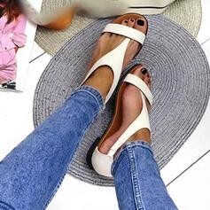 Mulheres PU Sem salto Sandálias Sem salto Peep toe Chinelos Anel de dedo do pé Toe rodada com Fivela Cor sólida sapatos