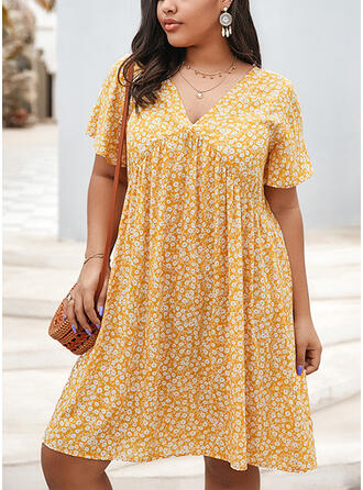 Plus Size Print Short Sleeves Shift Knee Length Casual Vacation Dress